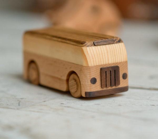 деревянный автобус игрушка