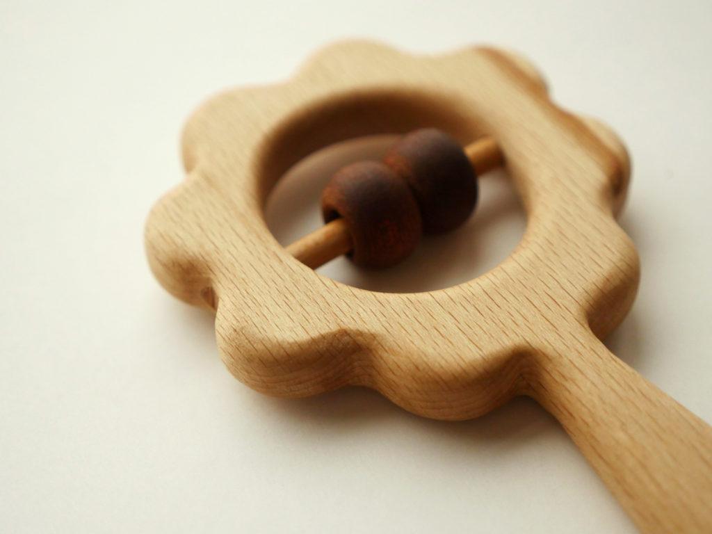 деревянная погремушка