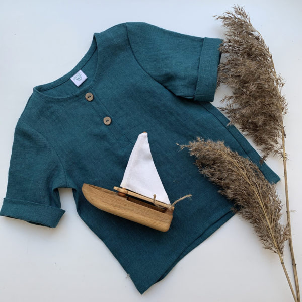 подарочный набор: деревянная игрушка и льняная рубашка